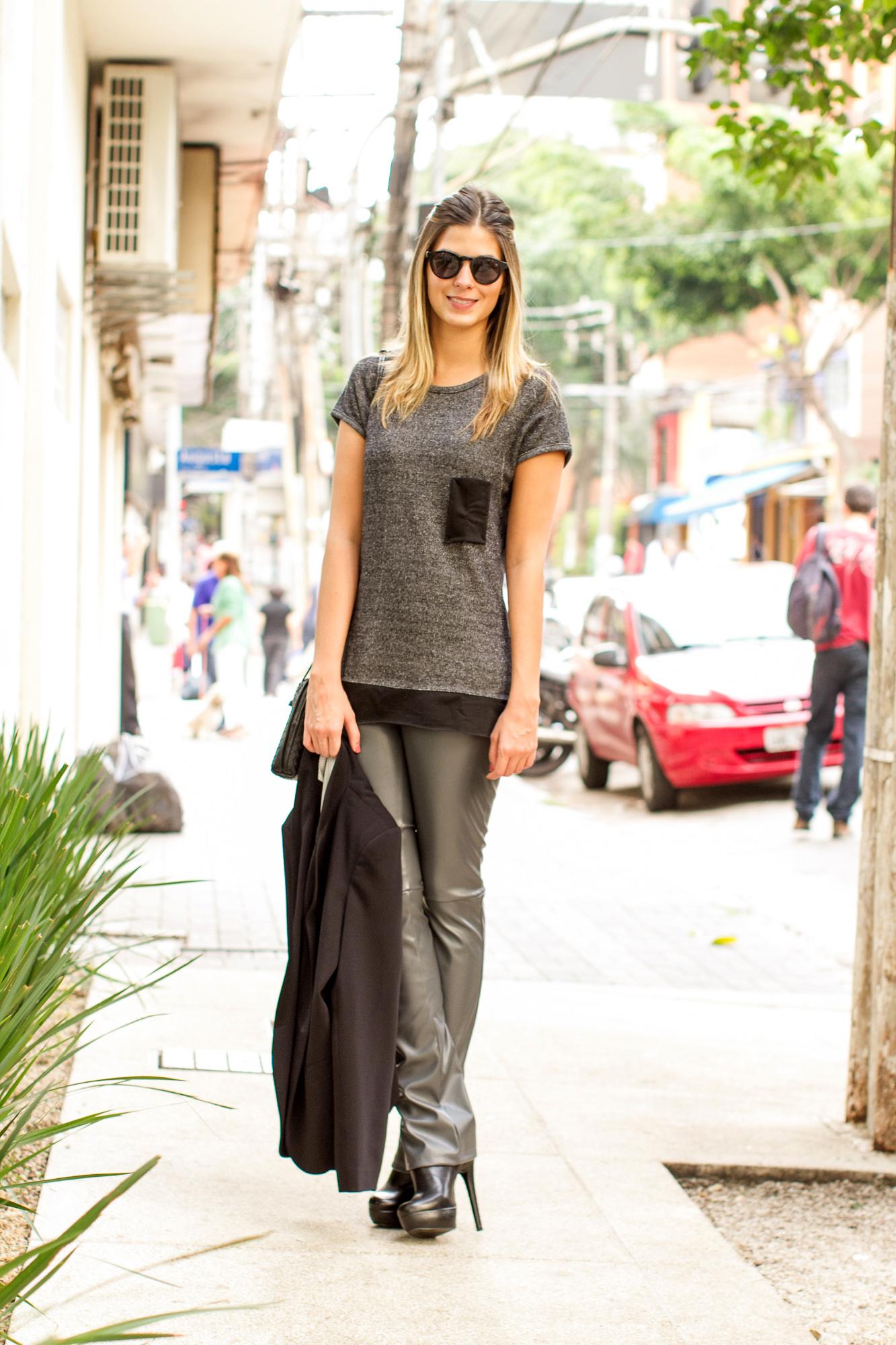 anna-fasano-fhits-shops-couro-cinza-02