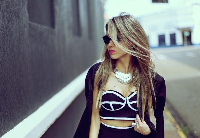 festa-ideia-preto-branco-recorts-cropped-saia-look-style