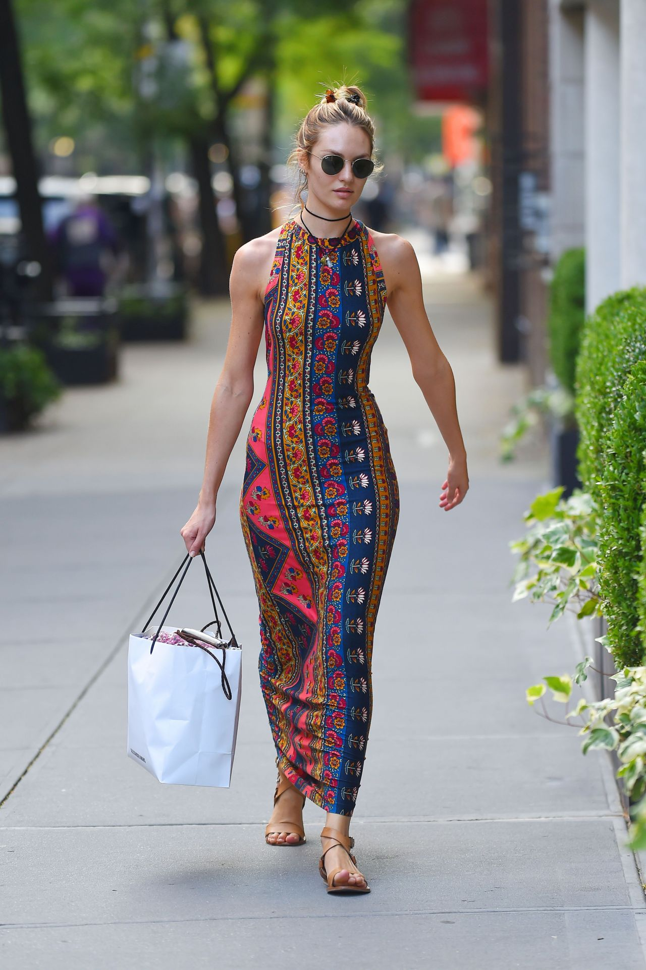 candice-swanepoel-in-stylish-summer-long-dress-out-in-nyc-july-2014_51